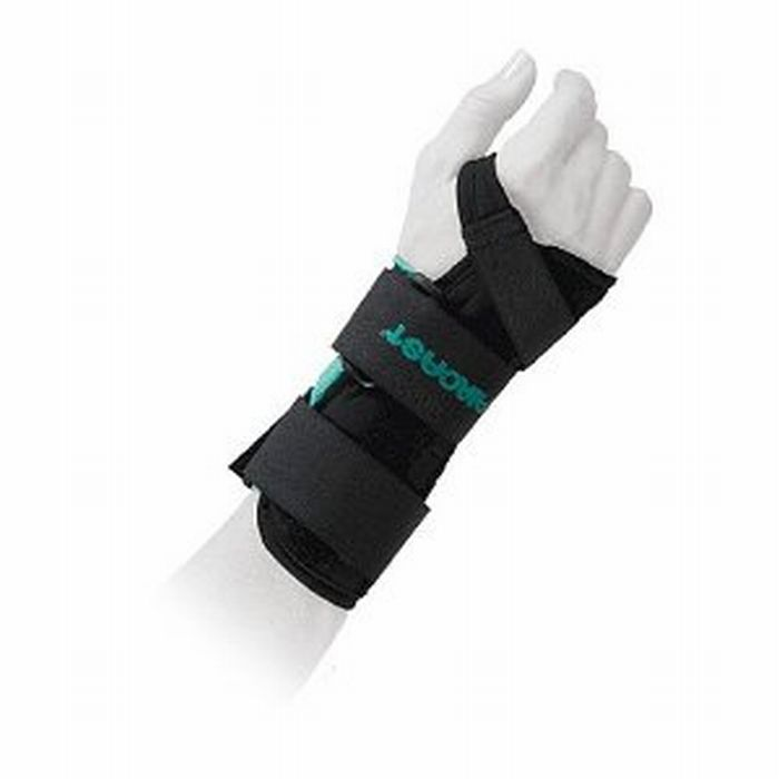 Aircast a2 wrist brace for a Sprained Wrist