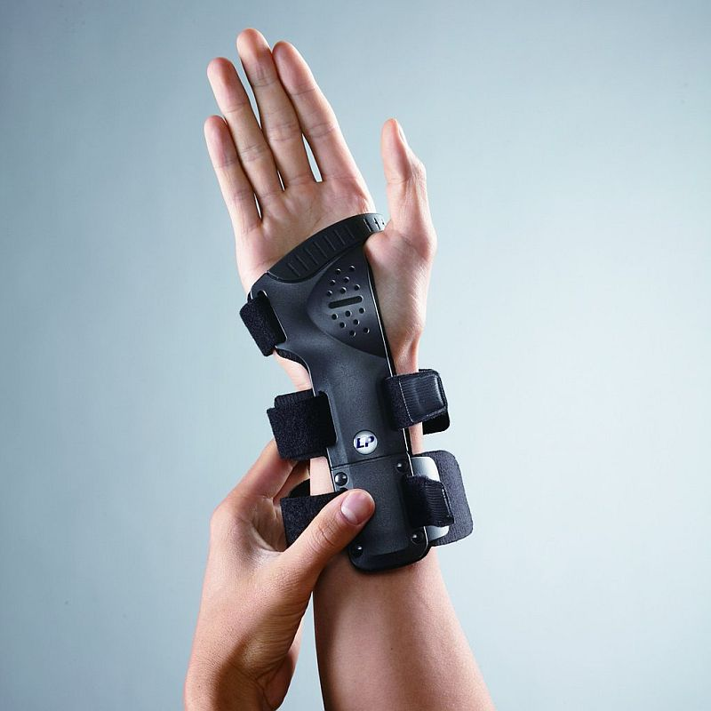 LP Rigid Wrist Support for robust protection